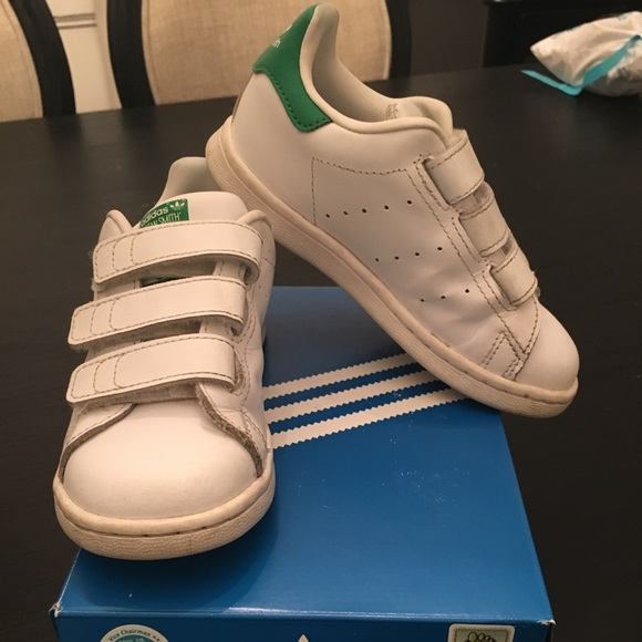 buy popular 7090e 09779 adidas Other - Adidas Stan Smith Boys Sneakers